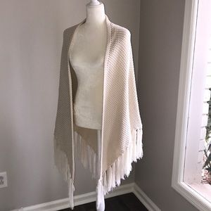 Accessories - Ivory shawl